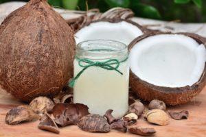 10 причин использовать полезное кокосовое масло в пищу