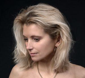 Женщина с сухой кожей тела
