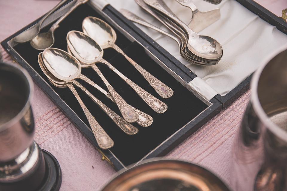 Пищевая сода применяется для полировки серебра