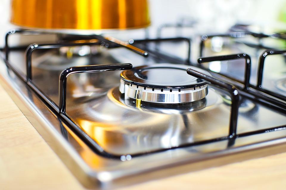 Пищевая сода применяется как чистящее средство на кухне