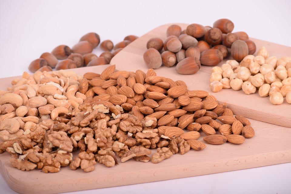 Орехи и семена - продукты, содержащие фолиевую кислоту