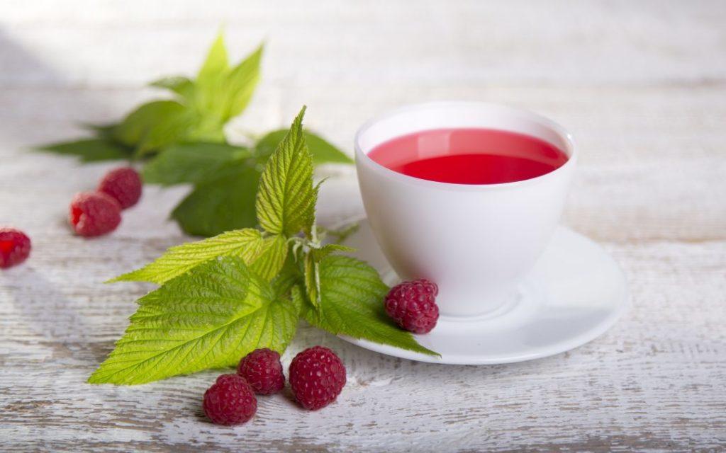Чай из листьев малины для женщин