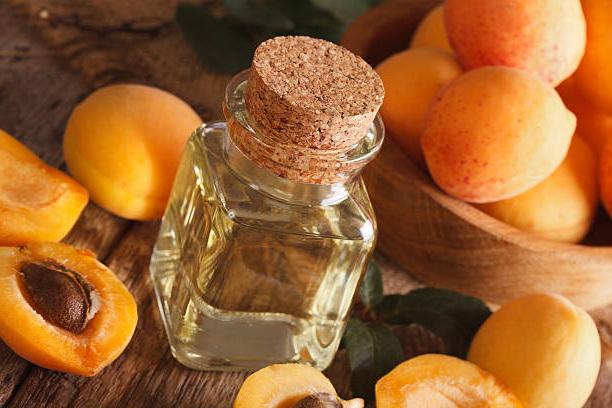 Масло абрикосовой косточки для кожи