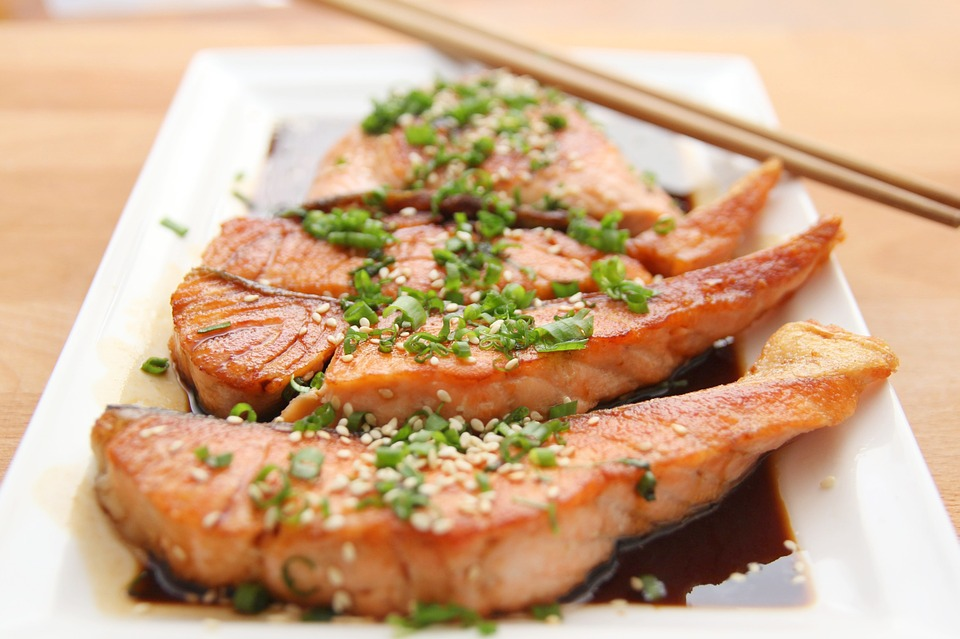 Лучший способ избежать побочных эффектов Омега-3 - получать рыбий жир из питания