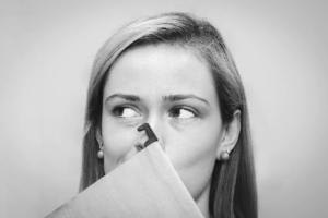Повышенное газообразование - причины и лечение у женщин